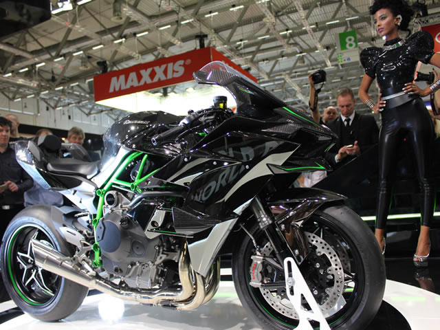 kawasaki apresenta a insana ninja h2r com motor turbo e 300 shopcar. Black Bedroom Furniture Sets. Home Design Ideas