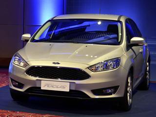 Ford quer esquentar segmento de m�dios com Focus 2017