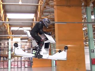 Moto voadora russa usa plataforma de drone