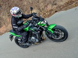 Nova Kawasaki Z 650 tem visual radical, mas desempenho dócil
